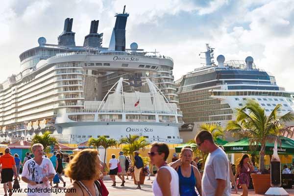alquiler-coche-con-conductor-para-viajes-de-cruceros