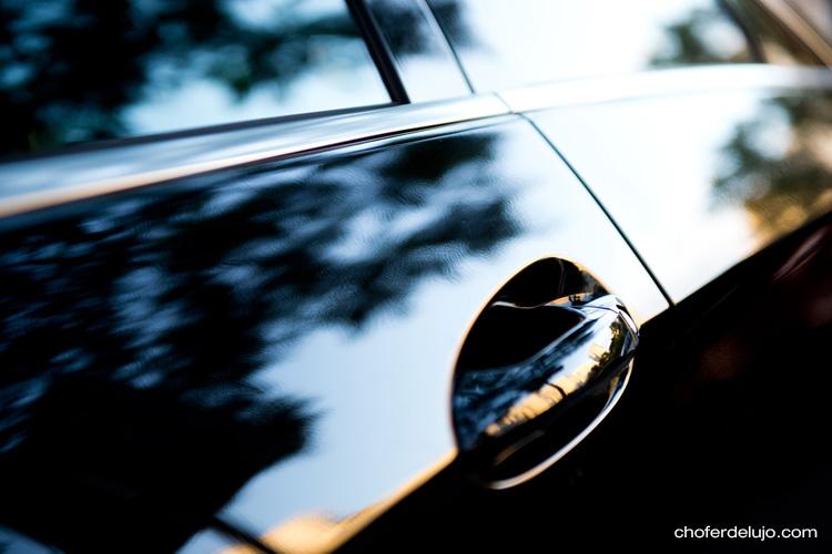 Psicología del automóvil puerta color negro